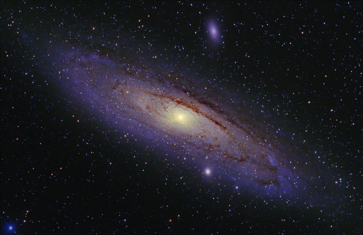 Digital SLR Astronomical Imaging